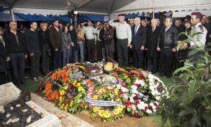 הלווייתו של אמנון ליפקין שחק (צילום: אלון רון)