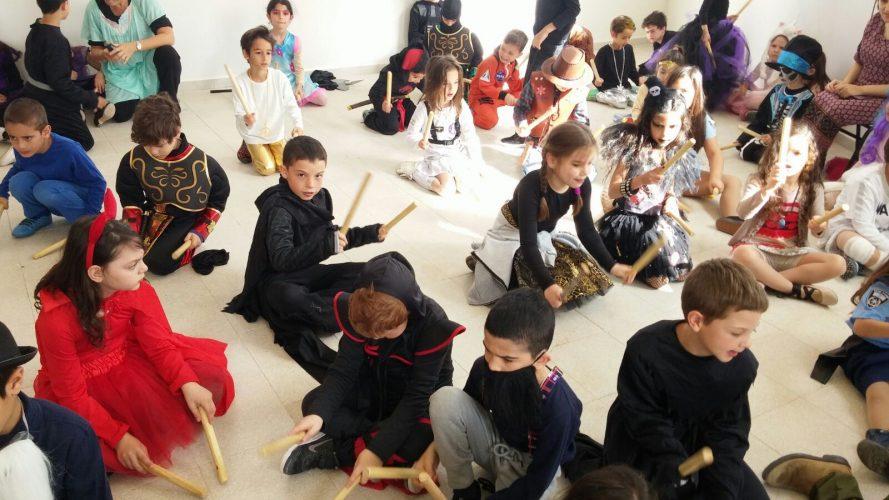 פורים בבית הספר ענבלים (צילום: דוברות עיריית מודיעין מכבים רעות)