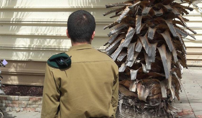 """טוראי ע', מסיים קורס סייבר (צילום: דובר צה""""ל)"""