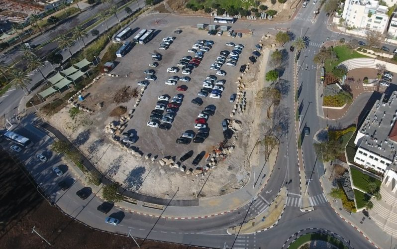 חניון בניין עיריית מודיעין מכבים רעות (צילום: דוברות עיריית מודיעין מכבים רעות)