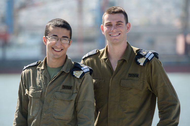 """סגן ארבל שקד וסגן אביחי טובי (צילום: דובר צה""""ל)"""