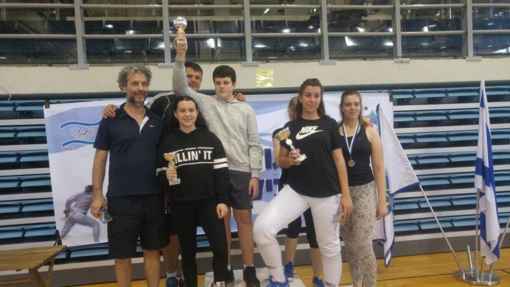 5 מדליות בגמר גביע המדינה בסייף לילדים במודיעין (צילום: דוברות עיריית מודיעין)