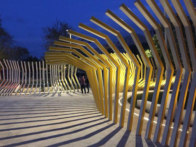 כיכר האור במודיעין (צילום: דוברות עיריית מודיעין מכבים רעות)