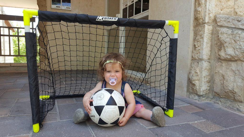 עלמה, הבת של רותי זינדל-אוכמן - הדור הבא של הכדורגל (צילום: פרטי)