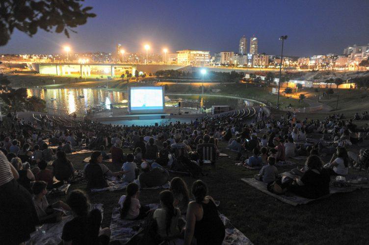קולנוע בפארק ענבה (צילום: חורחה נובומינסקי)