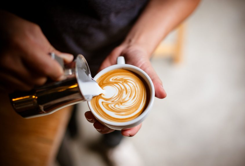 """משאל """"הקפה של מודיעין"""" (מאגר תמונות: Shutterstock)"""
