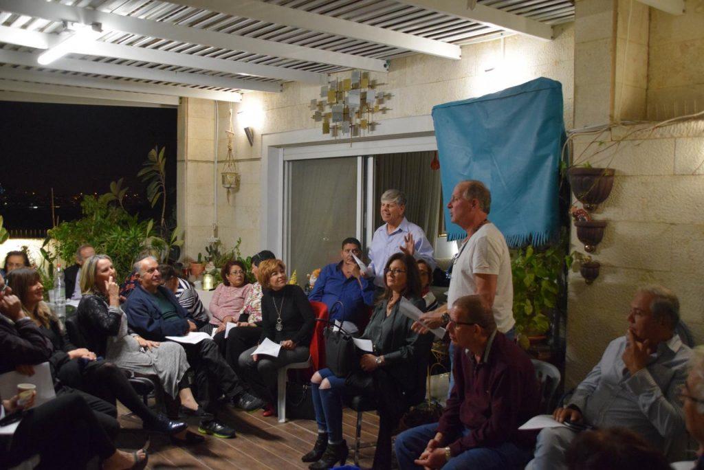 אירוע בתים מדליקים בבית משפחת טרטמן במודיעין, בשנה שעברה (צילום: דוברות עיריית מודיעין מכבים רעות)