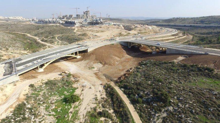 העבודות להקמת מחלף נופים לכביש 431 (צילום: דוברות עיריית מודיעין מכבים רעות)