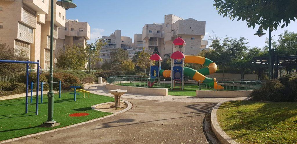 הפארק החדש ברחוב יונה הנביא (צילום: דוברות עיריית מודיעין מכבים רעות)