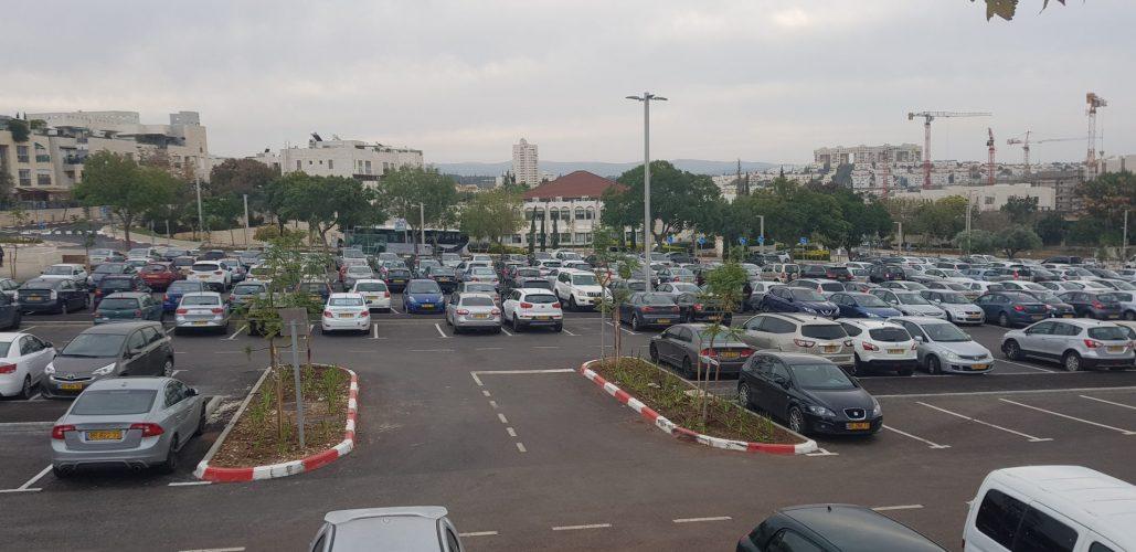 החניון מול העירייה (צילום: דוברות עיריית מודיעין מכבים רעות)