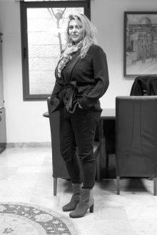 שרית שלט מעצבת פנים (צילום: אסף קרלה)