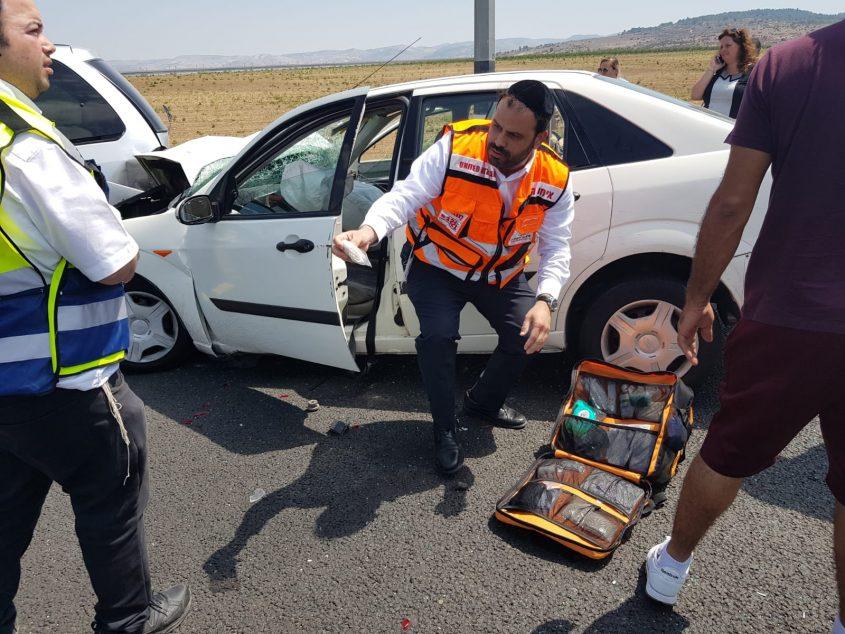 התאונה בכביש 1, מחלף לטרון (צילום: דוברות איחוד הצלה)
