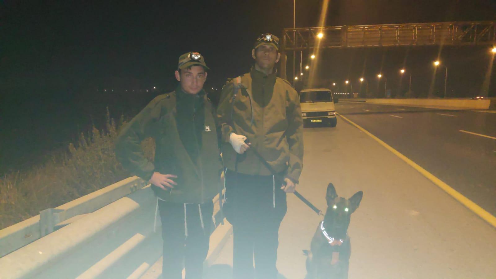 """חיפושים אחרי רוכבת אופנוע סמוך לכביש 431 - הלילה (צילום: דוברות יכ""""ל)"""