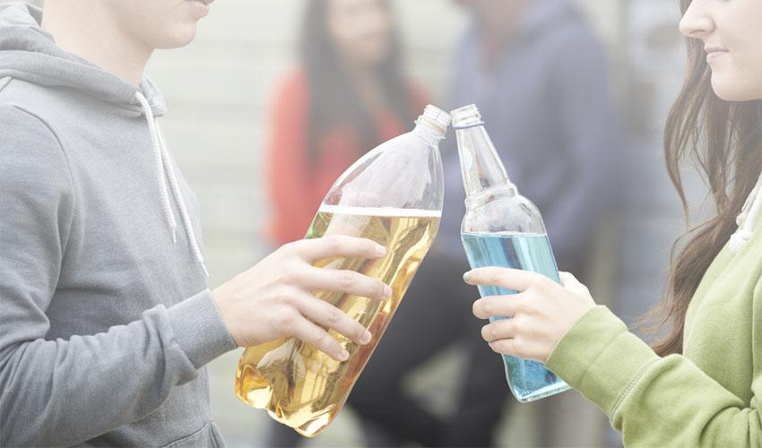 בני נוער שותים אלכוהול (צילום אילוסטרציה: א.ס.א.פ קריאייטיב INGIMAGE)