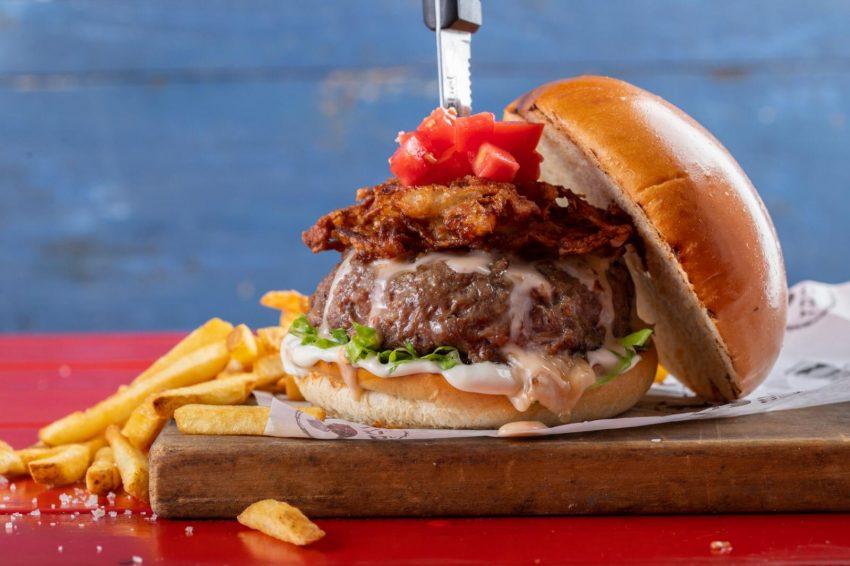המבורגר על הסכין, שמבז (צילום: גל זהבי)