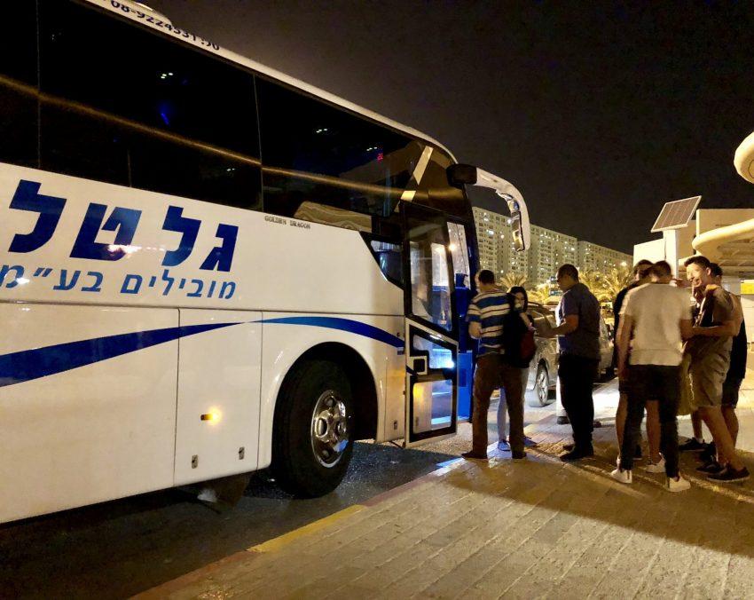 האוטובוס שפועל בשישי בערב ממודיעין לתל אביב (צילום: דוברות עיריית מודיעין מכבים רעות)