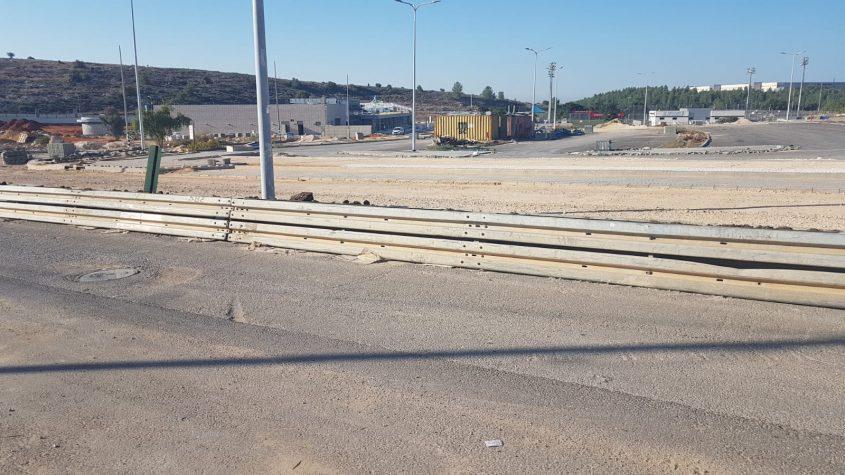 העבודות להרחבת הכביש בפארק הטכנולוגי (צילום: איילת דודיק)