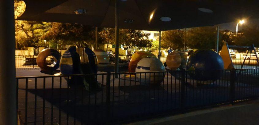 פארק החלל בשעת לילה (צילום: רוני איזייק)