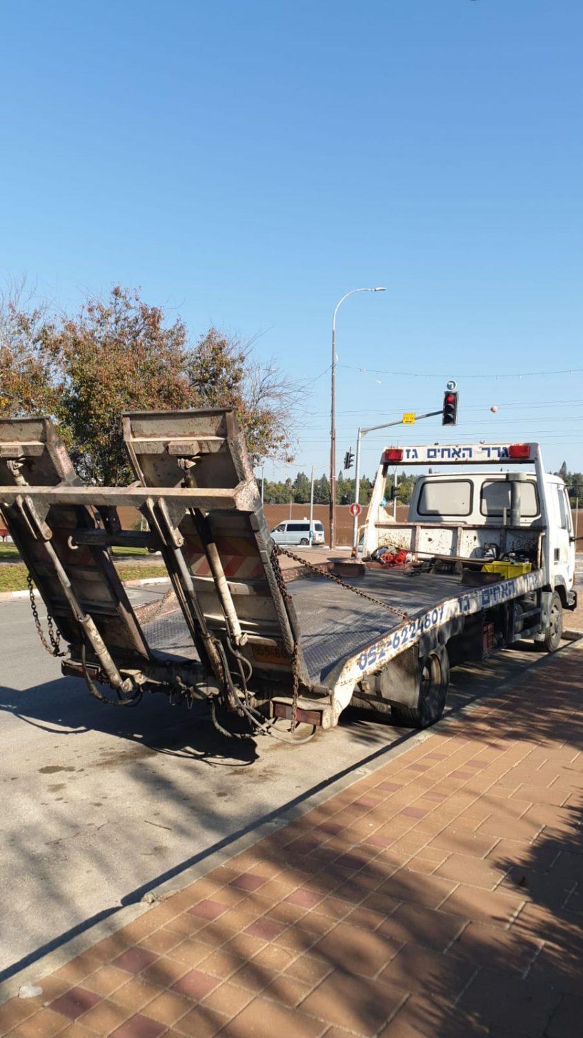 המשאית לאחר שהוחזרה (צילום: פרטי)