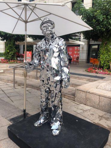 """פסלים חיים בשוק המציאות במע""""ר החדש (צילום: דוברות עיריית מודיעין מכבים רעות)"""