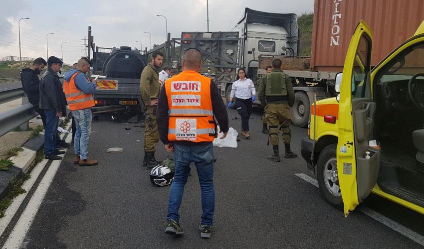 זירת התאונה בכביש 443 (צילום: דוברות איחוד הצלה)