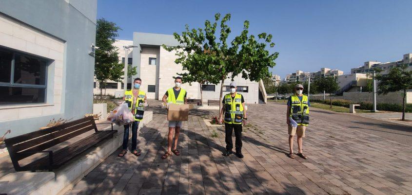 מתנדבי ידידים בעת משבר הקורונה (צילום: ארגון ידידים)