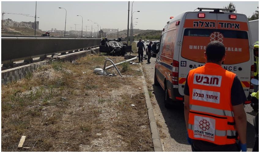 זירת התאונה במודיעין (צילום: דוברות איחוד הצלה)
