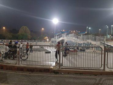 החלפת תאורה בפארק האקסטרים (צילום: דוברות עיריית מודיעין מכבים רעות)