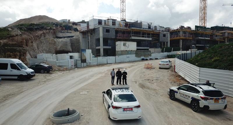 מבצע האכיפה באתרי הבנייה בשכונת מורשת (צילום: דוברות עיריית מודיעין)